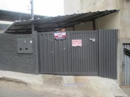 Casa de 3 quartos com garagem ampla