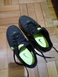 Tênis futsal Nike beco nr 39