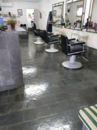 Salão cabelereiro completo bem localizado