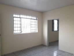 Casa de 3 quartos para locação, 120m2
