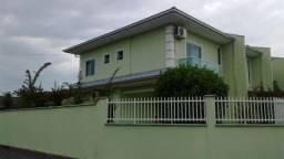 Sobrado Geminado para Venda em Joinville, Espinheiros, 3 dormitórios, 1 suíte, 2 banheiros