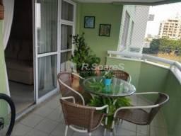 Apartamento à venda com 3 dormitórios cod:LDAP30396