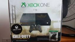 Xbox One Edição Limitada Call of Duty AW + Jogos *(DESCRIÇÃO)*