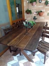 Mesa de madeira maciça 8 cadeiras