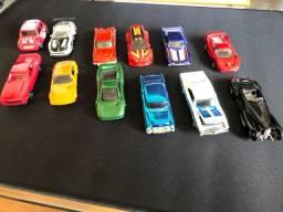 Miniaturas de carrinhos escala 1:64.