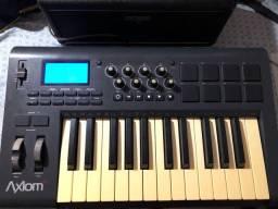 Teclado controlador MIDI Axiom25 - leia o anúncio!