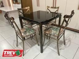 Promoção de Agosto - Mesa com 4 cadeiras