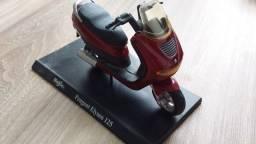 Título do anúncio: Miniatura Moto Maisto - Peugeot Elyseo 125