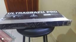 Equalizador beringher FBQ 1502
