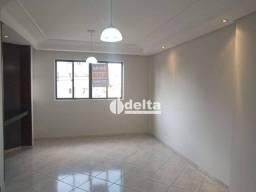 Título do anúncio: Apartamento com 3 dormitórios para alugar, 130 m² por R$ 1.000,00/mês - Saraiva - Uberlând
