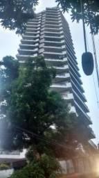 Josi Costa Vende apto amplo de 300m² em andar alto no Nazaré