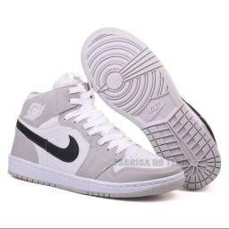 Título do anúncio: Nike Air Jordan Cano Alto Chicago Mid 1 Linha Premium