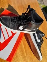 Tênis Nike cano Alto 42 na caixa