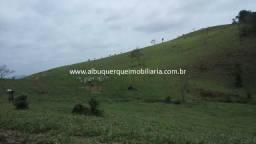 1012 REF - Fazenda com 91 alqueires em Rio das Flores/RJ
