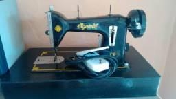Máquina de. costura Singer