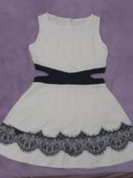 Vestido Branco Detalhes em Renda tamanho P