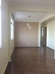 Apartamento térreo com sala ampla,garagem