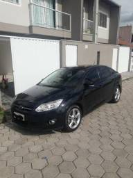Focus Sedan 2.0 S 16V Flex 4P Powershift - 2015