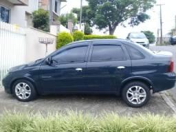 Corsa 1.4 Sedã Premium - 2010