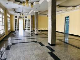 Casa 10 ambientes + Salão ?120m2, 7WC, Copa/Cozinha
