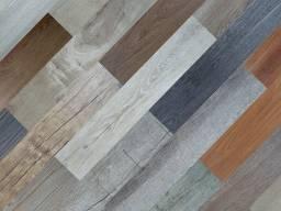 Vaga para instalador de piso vinílico, carpete, grama sintética, laminado e rodapé