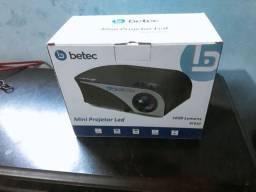 Míni Projetor Betec e Tv Box Max 4k 5g.