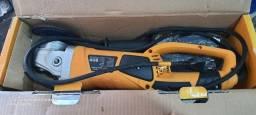 Título do anúncio: Lixadeira angular Ingco 2000w 127v zero!