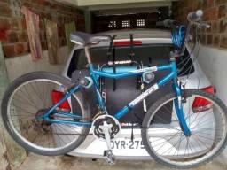 Bicicleta com marchas aro 26