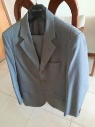 Terno cinza + 04 gravatas. Paletó n.50 e calça n.44