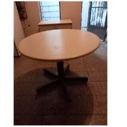 Título do anúncio: Mesa redonda para reunião.
