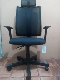 Frisokar Cadeira Addit Diretor recém comprada
