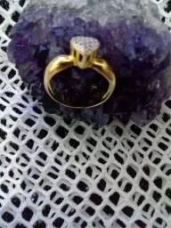 Verdadeiro Anel em ouro 18k com diamantes