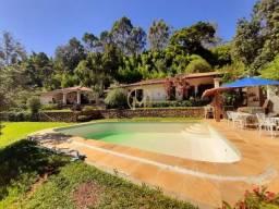 Título do anúncio: Casa para venda tem 450 metros quadrados com 4 quartos em Samambaia - Petrópolis - RJ