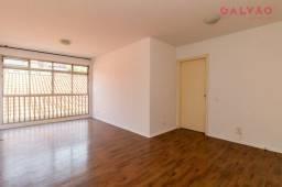 Título do anúncio: Apartamento à venda com 3 dormitórios sendo 1 suíte, cozinha com armários, sala e quartos