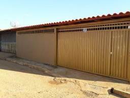Excelente casa em condomínio - Aceita financiamento bancário