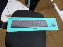Vende-se um teclado logitech sem fio.