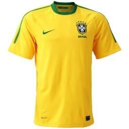 Título do anúncio: Camisa da Seleção Brasileira de 2010 Tam. M - oficial - original
