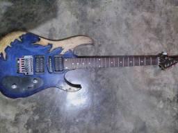 Guitarra lixada a mão