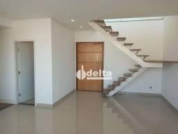 Título do anúncio: Apartamento com 3 dormitórios para alugar, 300 m² por R$ 3.300,00/mês - Santa Mônica - Ube