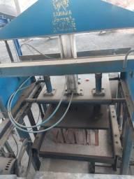 Máquina de Bloco Pneumática Sahara LX 6000