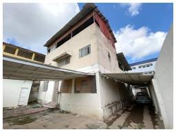 VENDA   Casa, com 8 quartos em Cordeiro, Recife