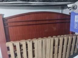 Título do anúncio: Vendo cama de madeira usada 150,00 reais