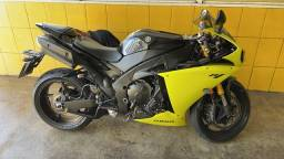 Moto Yamaha YZF R1 2010