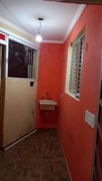 Título do anúncio: Aluga uma ? quarto cozinha banheiro área de serviço