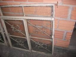 Janelas de ferro com vidro canaletado