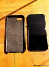 Capa de couro para iPhone 7 e 8 - preta