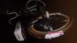 Troco bicicleta toda equipada por celular