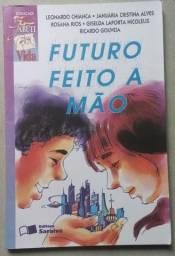 Livro Futuro feito a mão