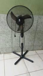 Ventilador pedestal