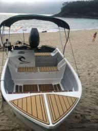 Barco de fibra DUMAR com motor yamaha